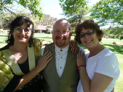 Bobby Russell with Maria Grace (left) and Amy Mills (right)