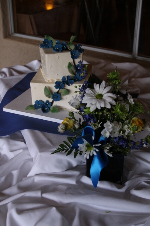 Wedding Cake Created by Donna Joy, Sedona Sweet Arts - Photo Courtesy of Janise Witt