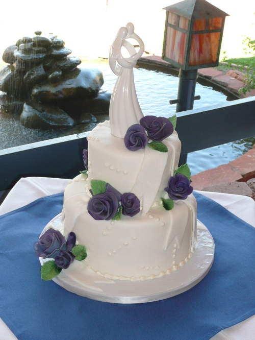 The beautiful Wedding Cake by Donna Joy, Sedona Sweet Arts