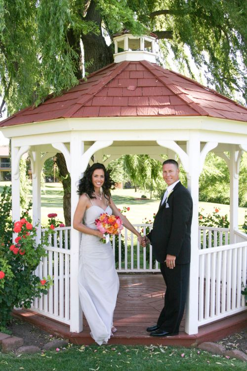 Garden Gazebo at Poco Diablo Resort - Photo by: www.bridesforbrides.com