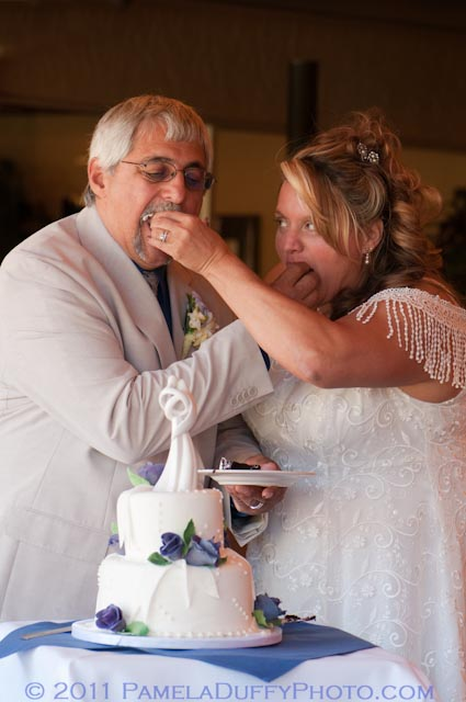 Ron and Taye Enjoying their lovely Wedding Cake created by Donna Joy, Sedona Sweet Arts