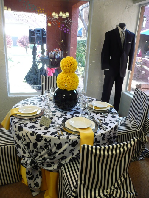 Elegant Table Display with Amazing Decor Accompanied by Stylish Sedona Tuxedo