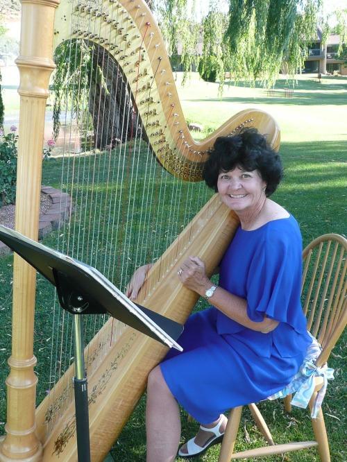 Harpist Sara Hartzler Casciani