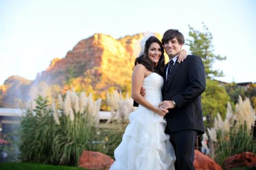 Sedona's Red Rocks at a beautiful back drop for their wedding portraits.