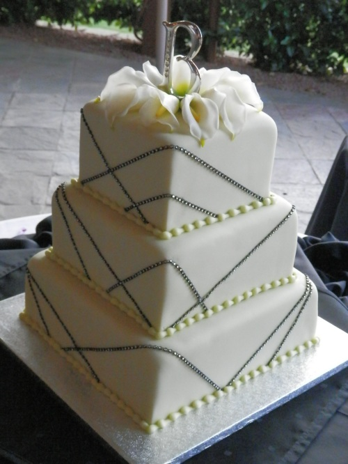 Beautiful Wedding Cake - Creative Cakes by Dena