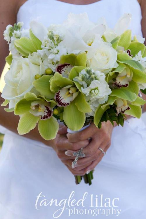 Beautiful Bridal Bouquet by Mountain High Flowers - Photo by Tangled Lilac Photography