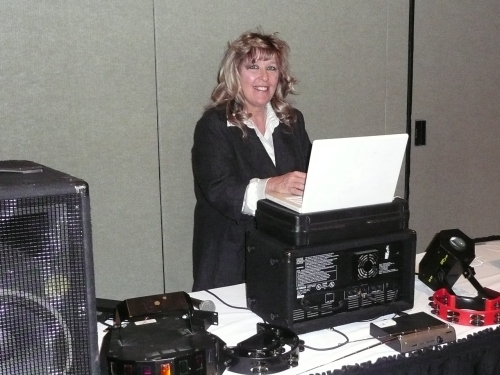 Jeanie Carroll, DJ and Vocalist (928) 300-7092 www.bestazdj.com