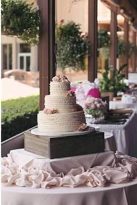 Cake by Sedona Sweet Arts - Photo by Natalie Miller