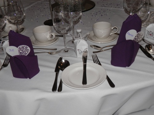 Place cards and table settings.
